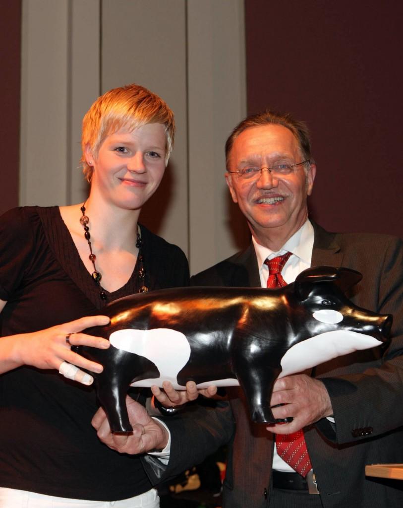 AuktionEins_2009 Clara Woltering und DBV-Präsident Gerd Sonnleitner Foto: F. Ossenbrink