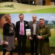 Jutta Bornholdt-Cassetti (jovis Verlag), Dr. Stephan A. Lütgert (Deutsche Stiftung Kulturlandschaft), Prof. Sören Schöbel (TU München) und Stephanie Egerland-Rau (Vorstandsvorsitzende DSK) präsentieren das Buch 'Windenergie und Landschaftsästhetik'