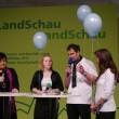Moderatorin Petra Schwarz mit Marie Hummers, Jürgen Meyer und Vera Meyer-Dymny aus Drögenbostel